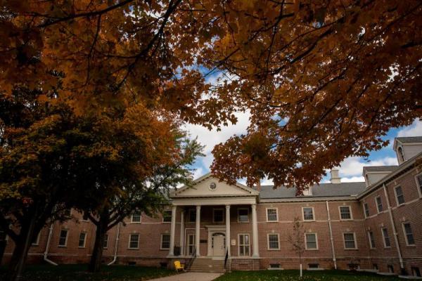 East Bartlett Hall - University of Northern Iowa